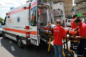 Accident la Iași: mașina unui nemțean a lovit o altă mașină oprită la semafor