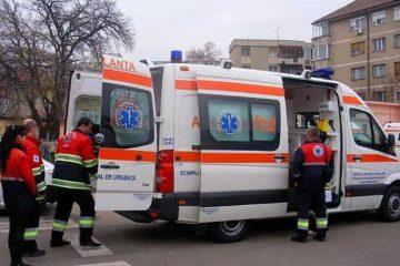 Accident rutier în Roman. Un tânăr a fost dus la spital