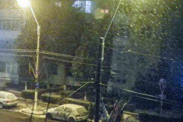 La Roman ninge ca în povești. Administrația locală este pregătită să intervină