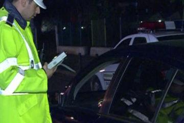 Roman: Un tânăr șofer a fost prins de două ori la rând sub influența alcoolului, în timp ce conducea