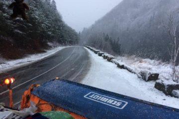 """Neamț: """"Drumuri bune, la început de an"""", spun drumarii Direcției Regionale de Drumuri"""