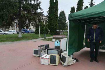 Puteți preda deșeurile electrice la punctul amenajat în Piața Roman Vodă. Puteți câștiga electrocasnice noi