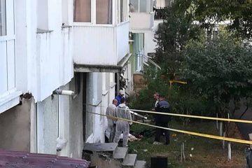 În această dimineață, un bărbat a fost găsit mort în fața blocului