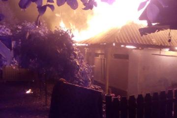 Incendiu în comuna Bozieni: proprietarul a suferit arsuri de gradul I