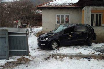 Accident mortal, astăzi, în Neamț: o tânără a murit, două persoane sunt rănite grav