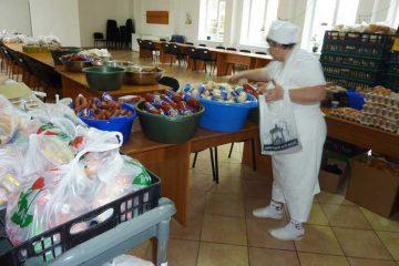 """Roman: Cum se poate obține masă gratuită la Centrul Social """"Casa Pâinii"""" – documente și condiții"""