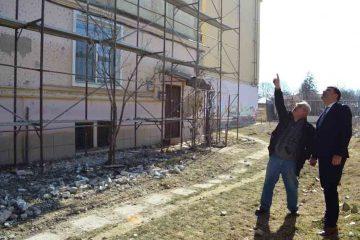 Primarul Lucian Micu se ține de promisiune. Face în fiecare zi verificări la lucrările în derulare, din municipiu