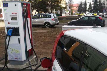 Stația de încărcare pentru mașinile electrice de la Roman a fost inaugurată