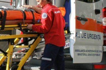 Bătrână de 82 de ani salvată de pompierii din Roman. A fost dusă de urgență la CPU – Spital Roman