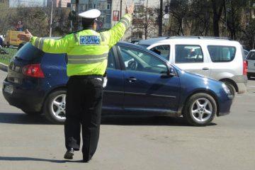 Roman: amenzi pentru parcări neregulamentare, pe locurile cu plată, pe trotuar, în stațiile de autobuz