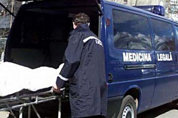 Neamț: salvatorii l-au găsit mort în apartament