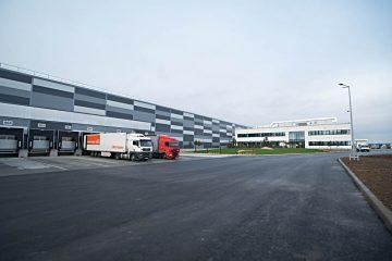 Investiție cu impact economic pentru zona Roman; Depozitul logistic Lidl va fi inaugurat oficial