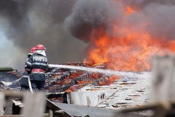 Pagube importante în urma unui incendiu la o gospodărie din Doljești