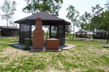 Se deschide sezonul la zona de picnic din Complexul MOLDOVA Roman. Vezi cum poți rezerva un foișor