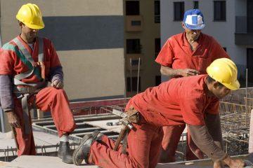 Locuri de muncă noi, anunțate de firmele din zona Roman