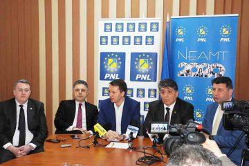 """Siegfried Mureșan: """"PSD vrea ca oamenii să fie slabi, săraci, asistați social ca să poată fi controlabili din punct de vedere electoral"""""""