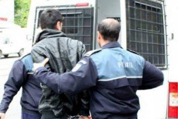 Tânăr condamnat pentru furt, prins și băgat după gratii de polițiștii din Săbăoani