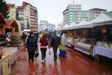 Pleacă Festivalul Racilor, urmează Târgul de Paște, în Piața Roman Vodă