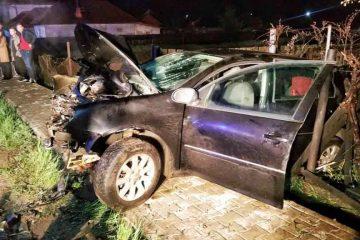 Neamț: accident grav cu trei victime – a adormit la volan și a intrat cu mașina în stâlp