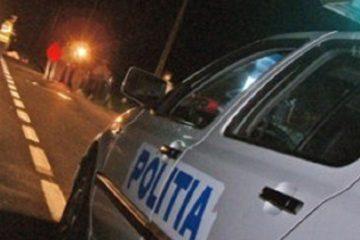 Neamț: un șofer băut s-a urcat cu mașina pe sensul giratoriu