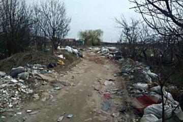 Roman: amenzi pentru depozitarea deșeurilor menajere, textile și materiale de construcții pe domeniul public