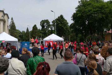 """Urmează """"Bucurie în Mișcare"""", la Roman: demonstrații sportive, dansuri, majorete, fitness, tir cu arcul, volei"""