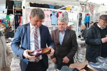 S-a deschis oficial Târgul Expofashion Roman, în Piața Roman Vodă