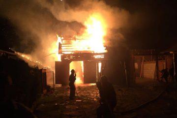 Pagube importante în urma unui incendiu la o gospodărie din Văleni
