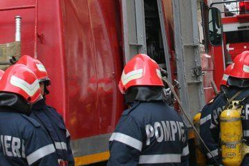 Incendiu chiar în timpul sărbătoririi Zilelor Comunei Făurei. Salvatorii romașcani au intervenit