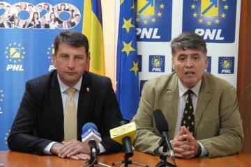 """Deputat Laurențiu Leoreanu și primar Lucian Micu: """"Marea familie romașcană este invitată alături de PNL!"""""""