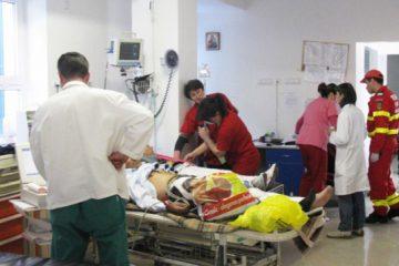 Un medic de la Centrul de Primiri Urgențe – Spital Roman a fost bătut de un pacient în timpul gărzii