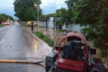 Fenomene meteorologice periculoase în Neamț – Misiuni desfășurate de pompierii nemțeni
