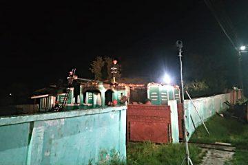 La Bălușești, au ars bunurile din casă, locuința și acoperișul. O bătrână a suferit un atac de panică