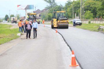 """Ionel Arsene: """"Unul dintre cele mai circulate drumuri din județ, Piatra Neamț – Bicaz, este în plin proces de asfaltare"""""""