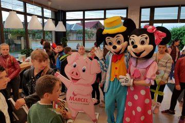 De 1 iunie, la Magazinul Marcel din Gherăești s-a cântat, s-a dansat și s-au dat premii. Copiii au fost cei mai fericiți