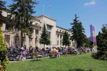 Foto: Eveniment deosebit în centrul municipiului Roman: paradă moto, demonstrație de Qwan Ki Do și cascadorii