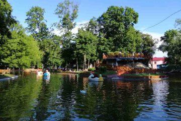 Foto: Ștrandul și Parcul Municipal, atracțiile sfârșitului de săptămână pentru romașcani și nu numai