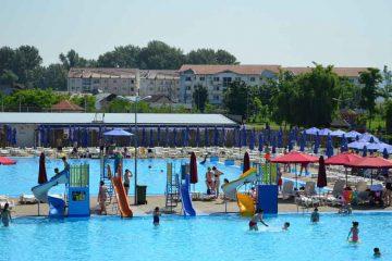 CSM Roman caută muncitori și îngrijitor pentru Ștrandul Roman și Sala Sporturilor