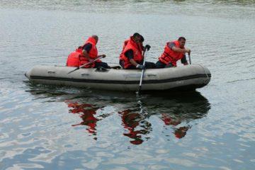 Tânărul găsit mort, în Moldova, la microhidrocentrala Roman, a fost identificat. Era dat dispărut de câteva zile