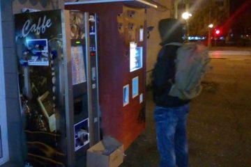 Neamț: unui tânăr îi plăceau banii din aparatele stradale de cafea