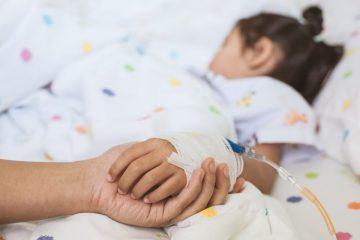 Neamț: mai mulți copii aflați în tabără la Durău au fost duși la spital cu dureri abdominale și vărsături