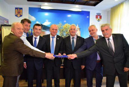 """A fost semnat Actul de Constituire al Asociației """"Moldova se dezvoltă"""""""