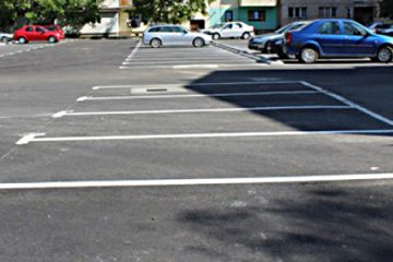 Lucrările de investiții din Roman continuă cu realizarea unor noi parcări