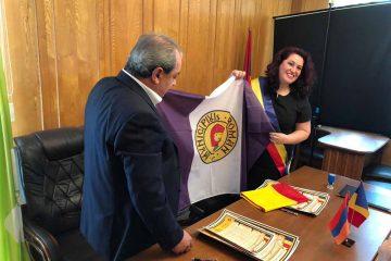 S-a semnat Înțelegerea de Cooperare între Municipiul Roman și Orașul Dilijan, din Republica Armenia