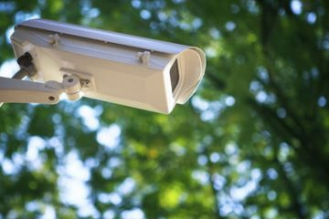 La Roman, rețeaua de supraveghere se extinde prin montarea de camere video în cimitir și la platformele de gunoi