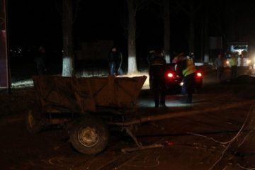 Tânăr din Roman, accidentat grav după ce o mașină a intrat într-o căruță, la Gâdinți