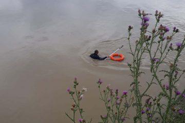 Roman: Fetița căutată în râul Moldova nu a fost găsită. Căutările continuă și pe râul Siret