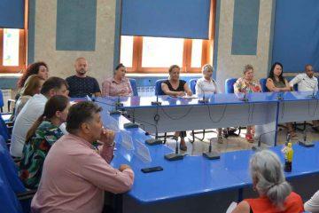 Peste 30 de persoane, care trăiesc în străinătate, au participat la întâlnirea cu conducerea Municipiului Roman