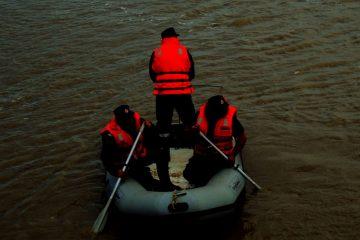 De ultimă oră: misiune de degajare persoană înecată în râul Moldova