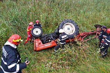Neamț: astăzi, un tractor s-a răsturnat peste un bărbat